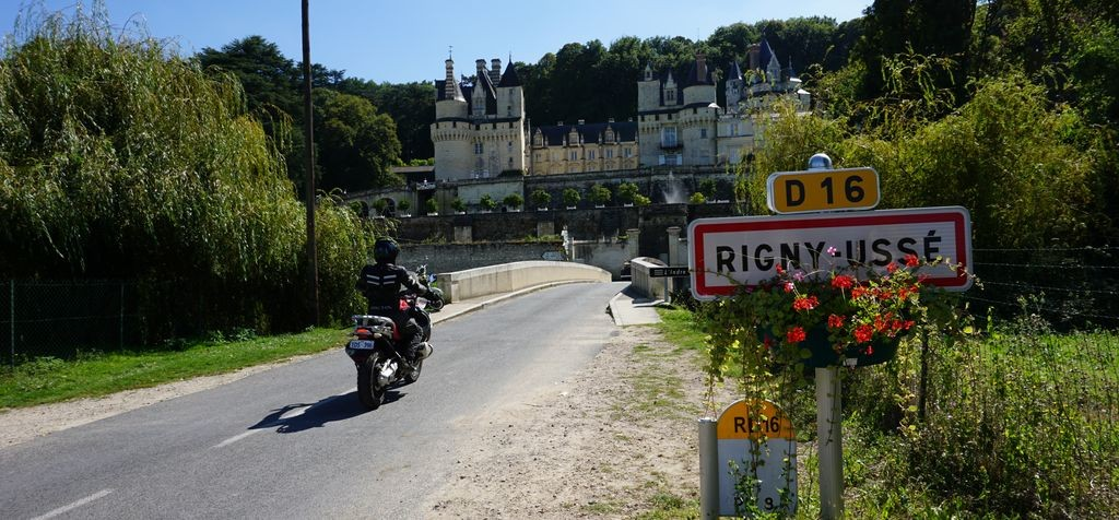 motorcycle-tours-loire-valley